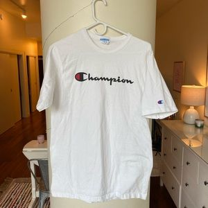Champion Spellout Vintage style t shirt
